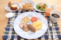 朝食の基本はイングリッシュフルブレッックファースト