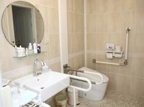 1号室 洗面とトイレ それぞれ手摺あり トイレはウォシュレット付