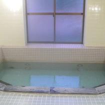 *大浴場一例/麦飯石を使ったヘルストン温泉で1日の疲れをリフレッシュ♪広い湯船が快適です。