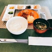 *朝食一例/館内レストランにて和食セットをご用意致します。