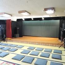 *大広間にて、不定期で大衆演劇の公演を行っております。