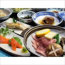 お料理グレードアップ!鮎の塩焼きと和牛の陶板焼き付き。グルメプランのお料理イメージです。
