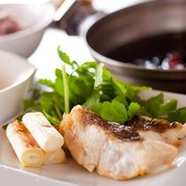 【焼き鯛のあおさ鍋】魚の旨みと磯の香りたっぷりの鍋です