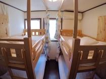 個室4人部屋