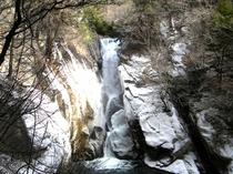 冬の仙娥滝
