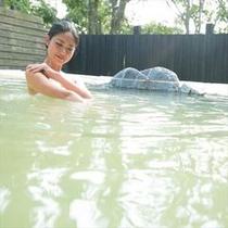 源泉100%の露天風呂