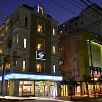 【ホテル外観】風景(夜)