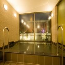 男性大浴場 夜(人工温泉)