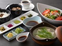 湯豆腐一人鍋(昼食一例)/レストラン