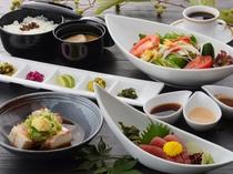 ヘルシー一汁三菜(昼食一例)/レストラン