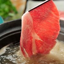 【米沢牛しゃぶしゃぶ】柔らかな脂質が、あっさりとした中にも濃い旨みととろけるような食感を生み出す
