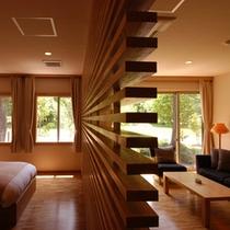 【北欧風洋室「みすず」】白木造りのぬくもりが癒しの空間を演出。窓に映る四季折々の景色に心も癒される