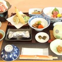 *【夕食一例】天塩の海の幸を中心としたお食事をお楽しみ下さい。
