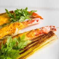 いつもの「蟹」とはひと味違う旬の美味しさをお皿に盛りつけました。