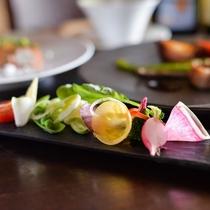 瑞々しい旬の野菜が彩る「野菜のガルグイユ」