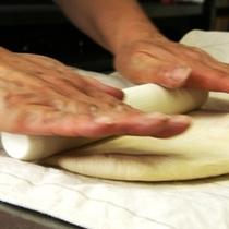 アピア特製。手作りパン