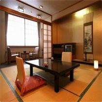 赤谷湖のさざ波聞く ゆったり角部屋 和室15畳+広縁