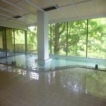 清潔感ある大浴場