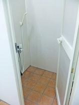 共用-シャワー室