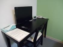 机、薄型テレビ、目覚まし時計