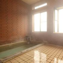 男女別のお風呂はトロトロとなめらかなお肌に優しく美容効果も高い温泉