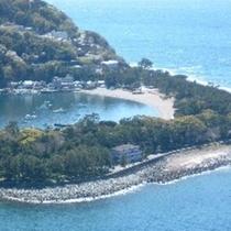 「出逢い岬」から見た御浜岬