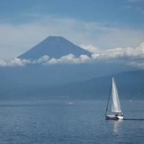御浜岬からの富士山
