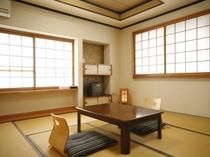 お部屋は、和室(6畳もしくは8畳)です。
