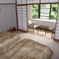 ④ツインルーム洋室 8畳+サンルーム 定員2名様 トイレ付き・禁煙