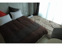 Double bed room with Futon set