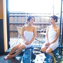 【客室】洋室に付いている半露天風呂