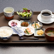 【朝食一例】本格和朝食が無料!食後にはコーヒーのサービスもございます^^