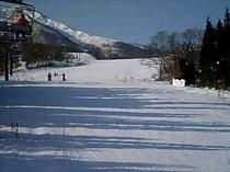 赤倉温泉スキー場(車で5分)