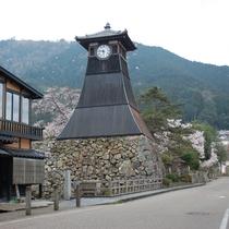 出石 辰鼓楼(しんころう)は但馬の小京都・出石のシンボル。城下町散策や皿そばと共にお楽しみください