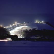 冬の神鍋高原ではナイタースキー・スノボーも出来ます。 当館から車で約30分です