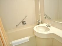 【浴室】清潔感のあるユニットバス