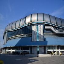 【観光】コンサートやイベントが豊富な京セラドーム。ホテルから地下鉄で約10分。