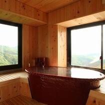 5階古民家風特別室の陶器風呂