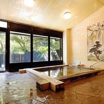 【大浴場】味があるヒノキ風呂は女性専用。