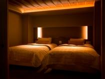 福地Bタイプ/落ち着いた設えのツインベッドルーム(写真は544号室)