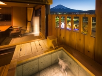 瑞穂タイプ/富士山と対座する温泉露天風呂