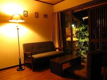 1F Free room.