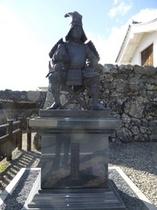 竹中半兵衛の像