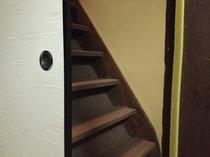町家のしつらえ、隠し階段です。