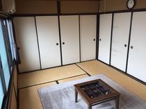 遊び心ある和室 押入れに大きなお荷物を収納することも出来ます!