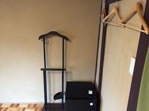 床の間の和室 必要な備品がコンパクトに集約されています。