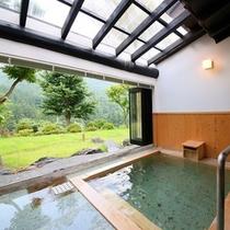 貴賓室半露天風呂「夏景」