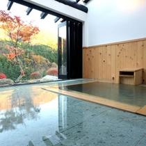全室に半露天風呂付き