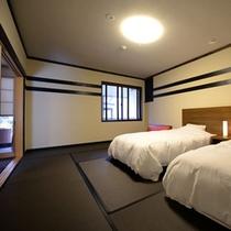 和室 二間(寝室・昼)