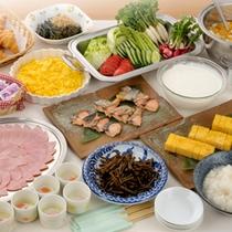 *【朝食例】和洋30種ほどのバイキングをご用意します。